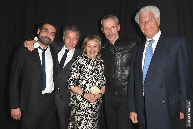 De gauche à droite : David Teboul, réalisateur, David Weizmann, Jacqueline Frydman, Pasteur-Weizmann, Lambert Wilson, Alain Grosmann, trésorier de l'association © Erez Lichtfeld