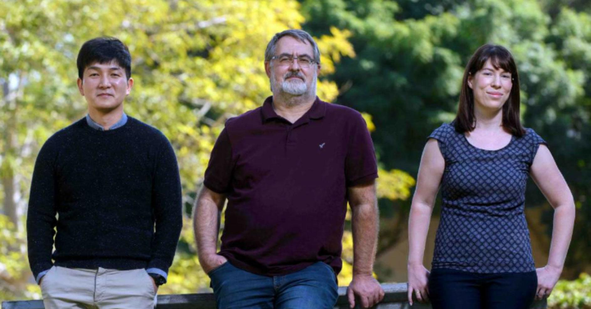 Jung-Seok Kim, le professeur Steffen Jung et Anat Shemer